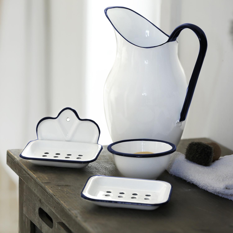 emaille seifenschale mit aufh nger. Black Bedroom Furniture Sets. Home Design Ideas